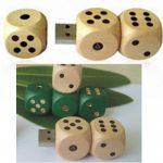 WUSB-10: Dice Type Wooden USB